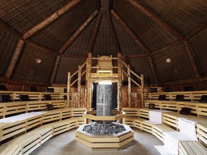 498fb-Therme-Erding_09_Saunaparadies_Stonehenge_Keltenthron-Sauna_Architektur