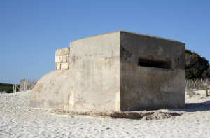 Bunker de la guerre civile espagnole sur la plage d'es Trenc à Campos à Majorque